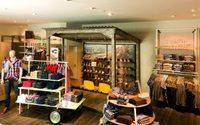 """camel active eröffnet ersten Store im """"Roadside"""" Look"""