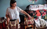 Roumanie : Dior reprend une tenue traditionnelle, faisant le bonheur des artisans locaux