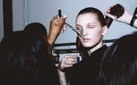 """""""Le plus beau métier du monde"""", une enquête sur les coulisses de la mode"""