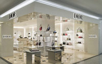 Dior presenta su primer espacio dedicado a los accesorios en España