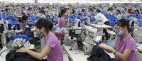 Fábricas de roupas baratas fogem da desaceleração na China