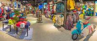 Все на доски: в Москве открылся магазин Boardriders