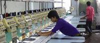 HDE und t+m gewinnen 60 Unternehmen für Textilbündnis