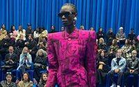 Balenciaga: prendas poderosas para una distopía ferozmente bonita