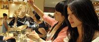 中国访日游客激增,不少奢侈品牌计划重返日本