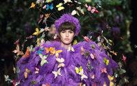 Mailand Fashion Week: Moschino erweckt die Modewoche in Mailand mit einer durchgeknallten Show zum Leben
