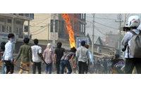 Pelo menos três mortos após disparos contra trabalhadores têxteis em greve no Camboja