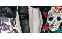 Ausstellung zeigt Totenköpfe in der Modewelt