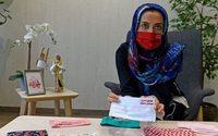 Deux entrepreneuses du Bahreïn donnent du style aux masques