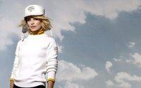 Марго Робби стала лицом горнолыжной линии Chanel