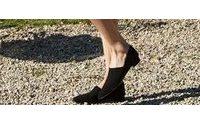 Бренд сестер Олсен The Row запускает полноценную линию обуви