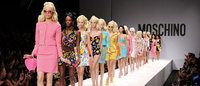 Moschino leva a Barbie às passarelas de Milão