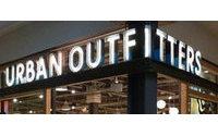 Nueva polémica de Urban Outfitters por una sudadera que recuerda una masacre
