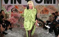 """A Londres, la chanteuse de Blondie porte-drapeau de la mode """"écolo"""""""
