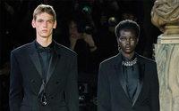 Berluti: Alfaiataria polida numa estreia elegante de Kris Van Assche