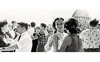 На ВДНХ пройдет выставка Александра Васильева «100 лет моды в России. 1915-2015»