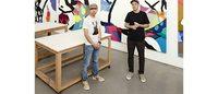 ユニクロ「UT」 ブルックリンの著名現代アーティストKAWSとコラボ