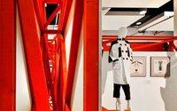Выставка «Мода — народу! От конструктивизма к дизайну» впервые проходит в Санкт-Петербурге