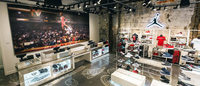 Jordan opens an emblematic flagship store in Chicago