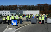 Des gilets jaunes bloquent une usine L'Oréal dans l'Allier