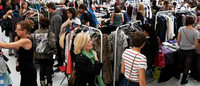 Violette Sauvage organise un vide-dressing géant de rentrée