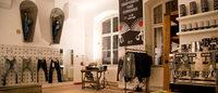 Denham inaugura loja permanente no espaço Blue Yard em Berlim