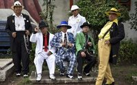 Mexico's 'pachucos' keep zoot suits, defiance alive