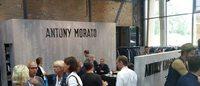 Antony Morato zeigt auf der Premium Flagge
