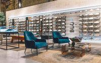 Adidas начала выпускать обувь на полностью роботизированных конвейерах