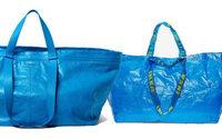 Ikea s'amuse de la ressemblance entre son cabas bleu et un sac Balenciaga