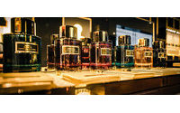 Carolina Herrera presenta nueva colección de fragancias en Dubai