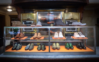 Santoni: lightness, karaoke, ice cream sandwiches and excellent results