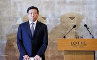Lotte chairman offers to resign from holding company