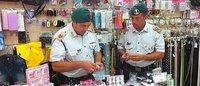 Milano, maxi sequestro di merce contraffatta in zona Sarpi e Buenos Aires