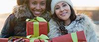 Noël: les Européens recevront vêtements et parfums