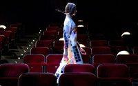 Dans le sillage de Valentino, les couturiers rouvrent les théâtres à Milan le temps d'un défilé