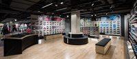 Adidas dévoile son nouveau magasin des Champs-Elysées