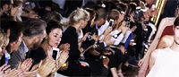 La course d'une acheteuse du Bon Marché pendant la fashion week