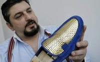 Italian artisan crafts 24-carat gold shoes for Middle-Eastern market