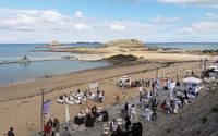 Le groupe Beaumanoir recrute ses futurs cadres sur la plage de Saint-Malo