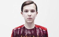 Millie Bobby Brown estreia-se em campanha da Calvin Klein