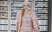 Desfiles de Paris: Chanel entre o 'high-tech' e a moda íntima chique