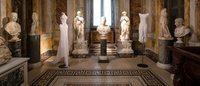"""A la Galerie Borghese, la """"sculpture souple"""" des robes d'Azzedine Alaïa"""