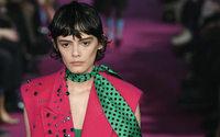A Milan, frivolité et chic discret recomposent le dressing de l'hiver 2020/21