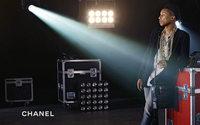 Pharrell Williams: o primeiro homem numa campanha de carteiras Chanel