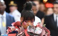 Rihanna bringt zusammen mit Mode-Studenten eine Charity-Kollektion heraus