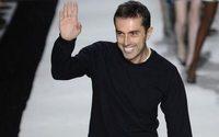 Giambattista Valli cede alla tendenza dell'activewear