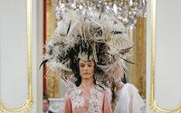 Yolancris : un défilé parisien pour séduire la Haute Couture