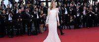Tendances Cannes 2015 : des robes fendues, des capes, des crop tops et de la couleur