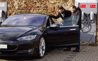 Outlet Center Wadgassen installiert Tesla-Ladestationen